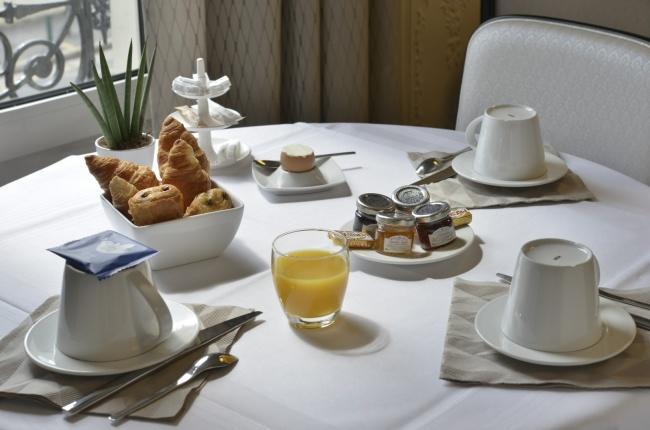 Hôtel Atrium Suresnes - Petit-déjeuner